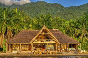 Blick vom See auf die Lounge