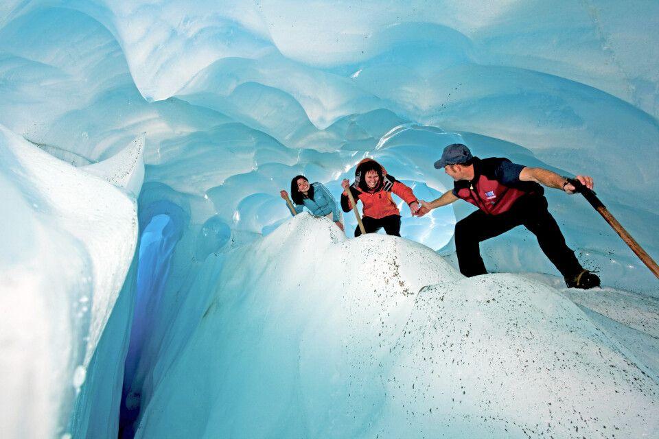 Durch eine Eisspalte auf dem Fox-Gletscher