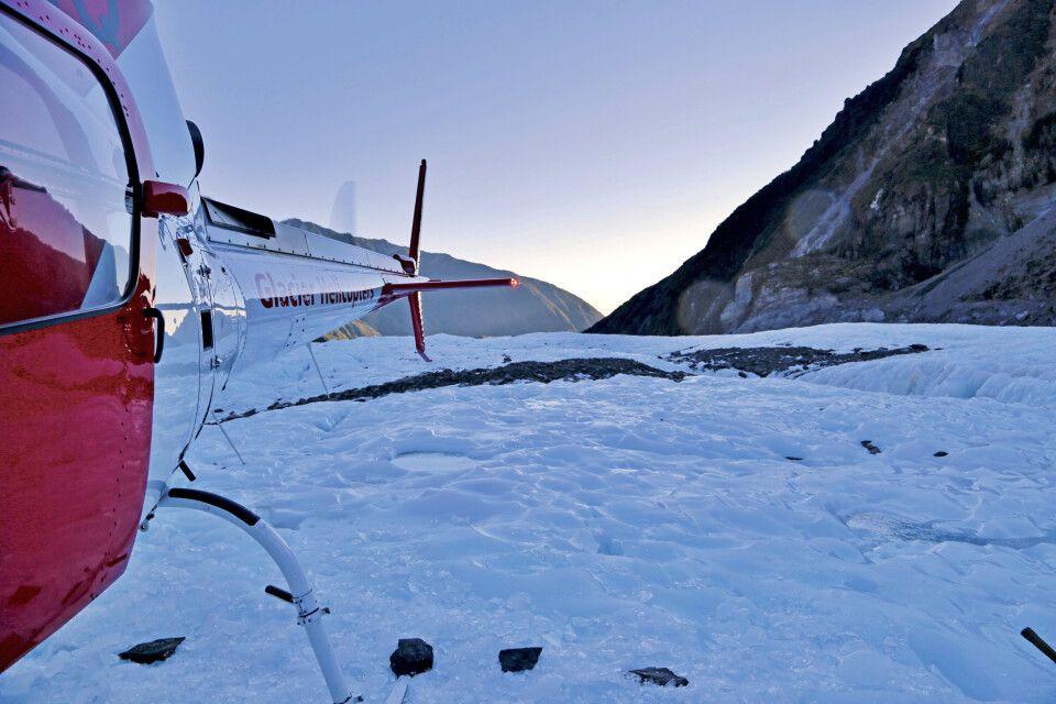 Ein Helikopter am Fox-Gletscher