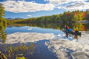 Kanu auf einem der Saranac-Seen, Adirondacks