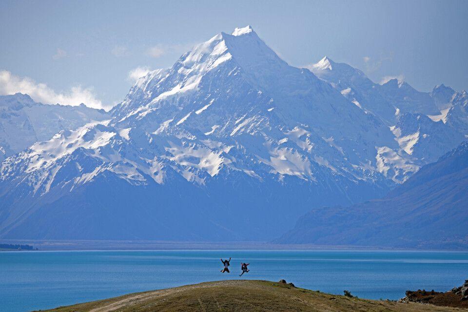 Der höchste Berg Neuseelands, der Aoraki (Mount Cook) in den Neuseeländischen Alpen, Südlichen Alpen oder oft auch Südalpen der Südinsel Neuseelands