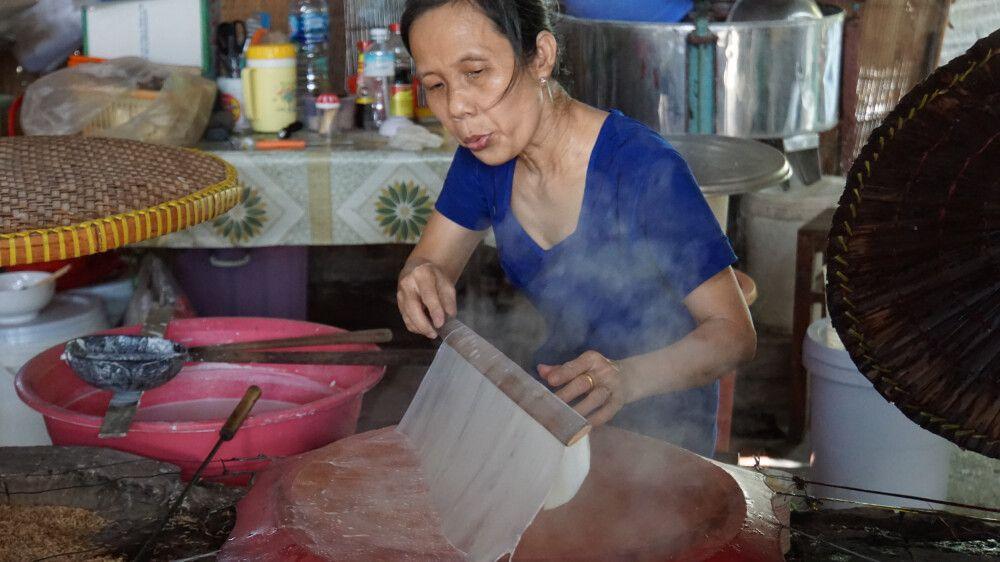 So wird Reispapier hergestellt (frisch zubereitet schmeckt es am besten!)