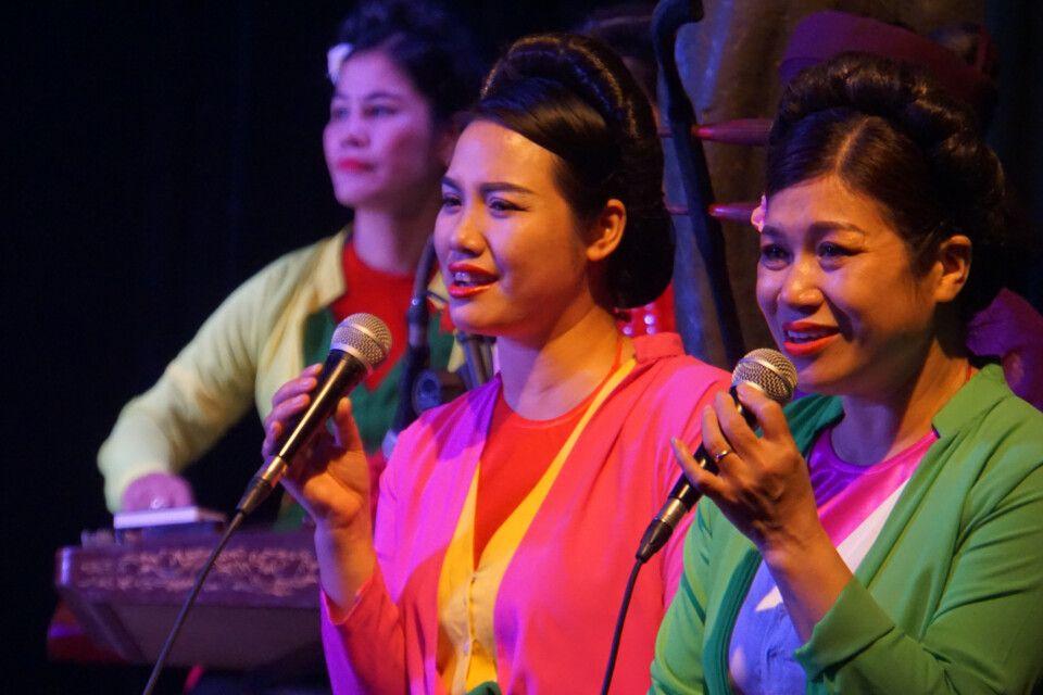 Zauberhafter Gesang begleitet das Wasserpuppentheater in Hanoi