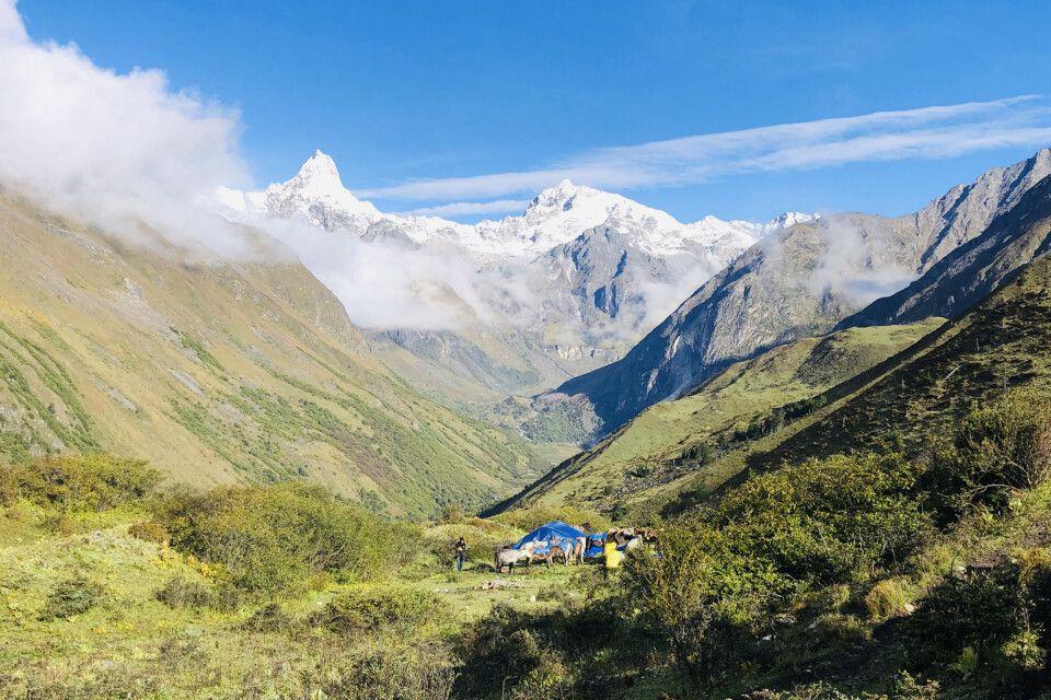 Über den Sinche-La-Pass nach Limithang