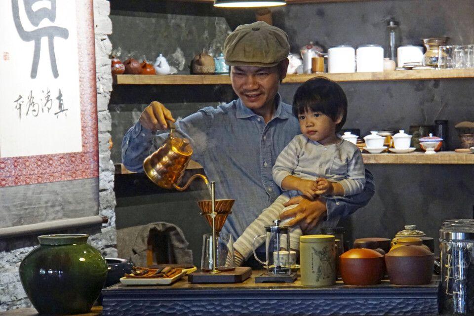Geruhsames, familiengeführtes Teehaus im Zentrum von Hanoi