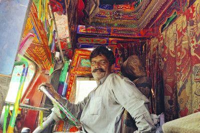 LKW-Fahrer auf dem Karakorum Highway