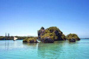 außergewöhnliche Felsformationen im Meer