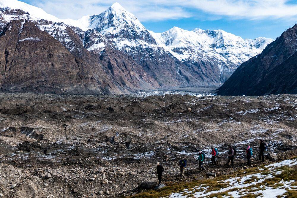 Inyltschek Gletscher an der Merzbacher Wiese