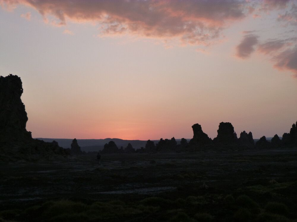 Sonnenaufgang über den Kalksteinkaminen