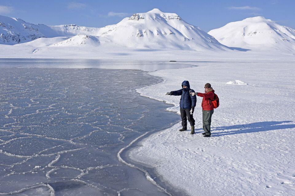 Frühling in Spitzbergen: Licht, Ruhe, verschneite Berge