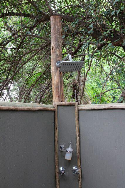 Setari Camp, Außendusche