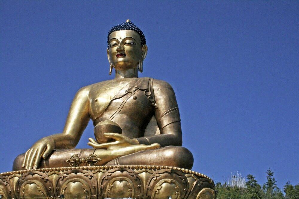 Buddha-Statue auf dem Hügel von Kuenselphodrang
