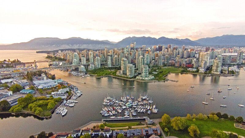 Downtown Vancouver und False Creek © Diamir