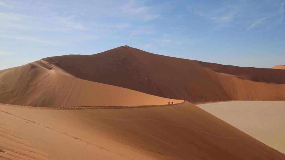 EINMALIG – die gigantischen Dünen von Sosusvlei.