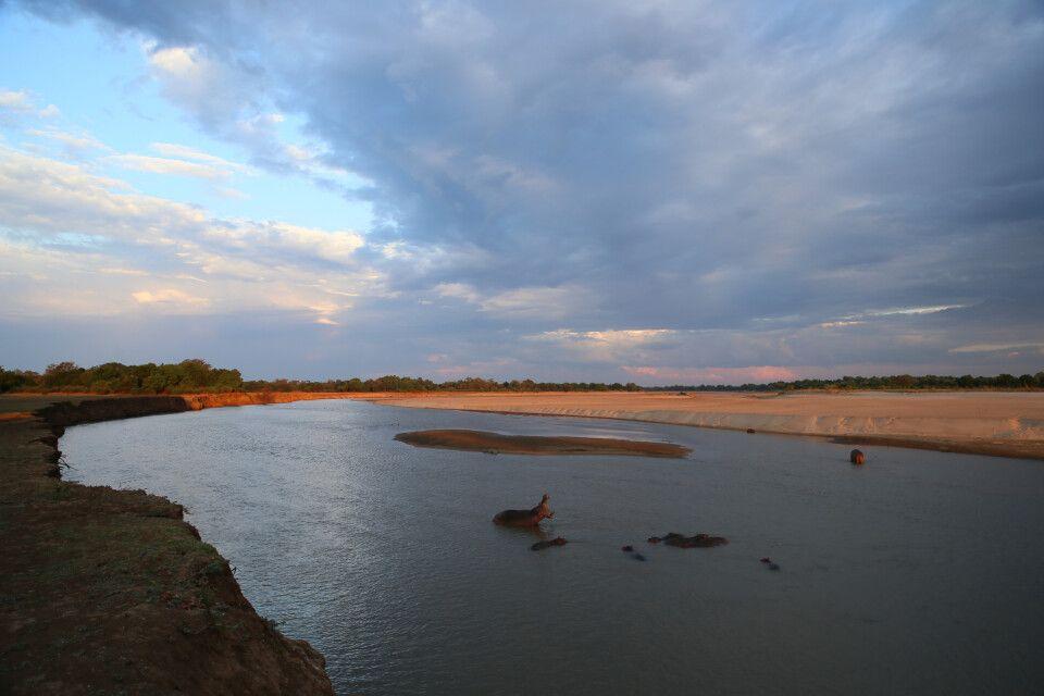 Abendstimmung an einer der zahlreichen Schleifen des Luangwa-Flusses