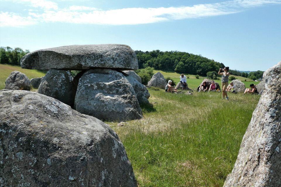 Keltischer Steinkreis und Dolmen im Mols Bjerge-Nationalpark, Jütland