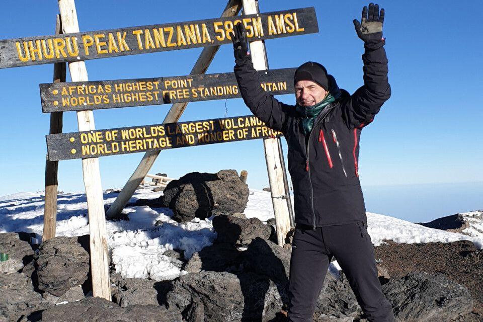 Auf dem Gipfel des Kilimanjaro, Uhuru Peak (5895 m)