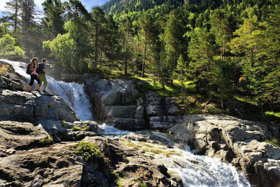 Wasserfall Sant Esperit im Nationalpark Aigüestortes. Vall de Boí, Pyrenäen