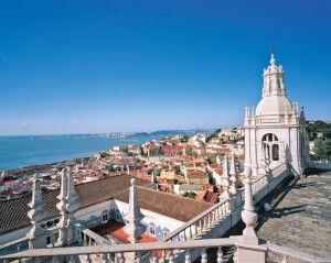 Blick Über Lissabon und den Tajo