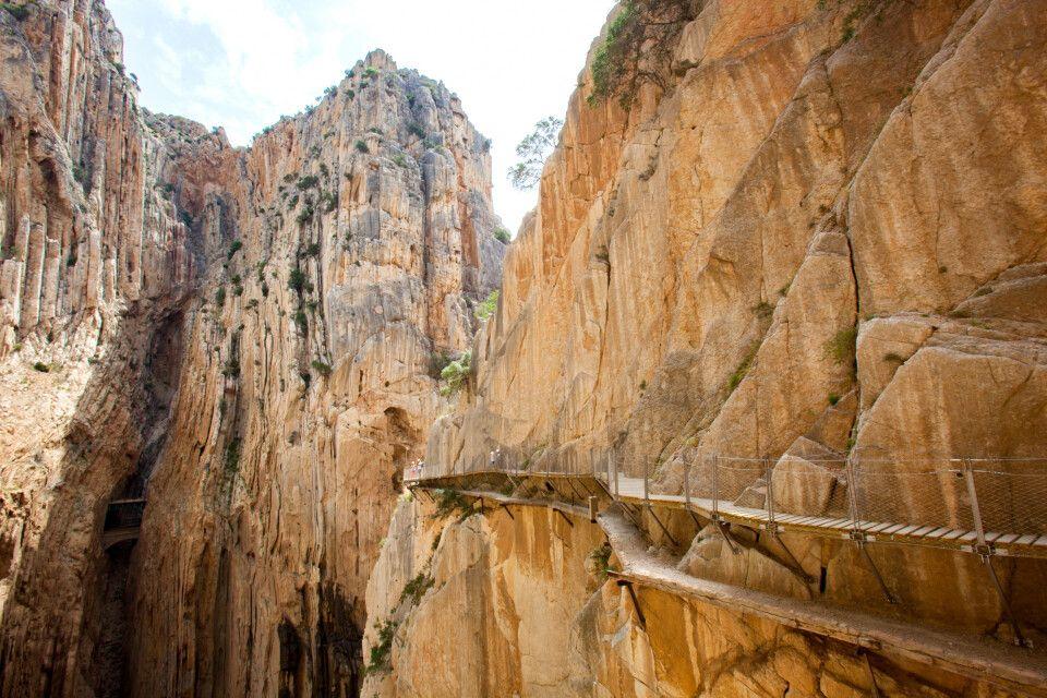 Der Caminito del Rey hängt in schwindelnder Höhe an einer Felswand
