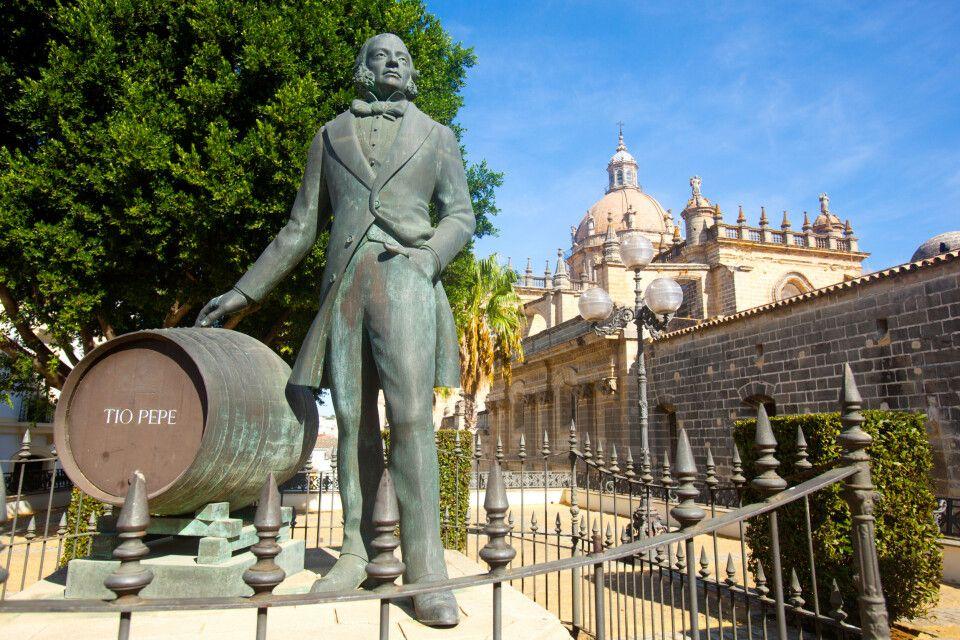 Monument von Manuel Maria González Angel vor der Kathedrale von Jerez de la Frontera