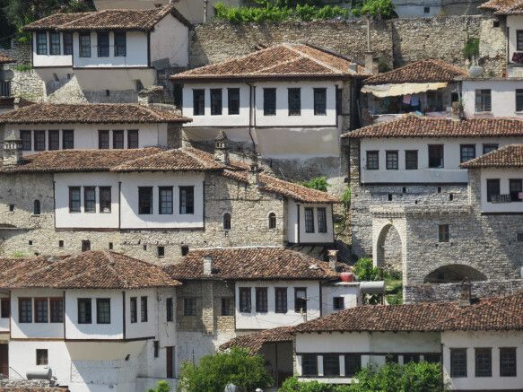 Typische Bruchsteinarchitektur in den Bergen Albaniens