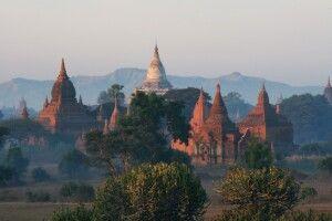 Historische Königsstadt Bagan mit über zweitausend erhaltenen Ziegelgebäuden