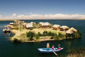 Schwimmende Inseln der Uros auf dem Titicacasee