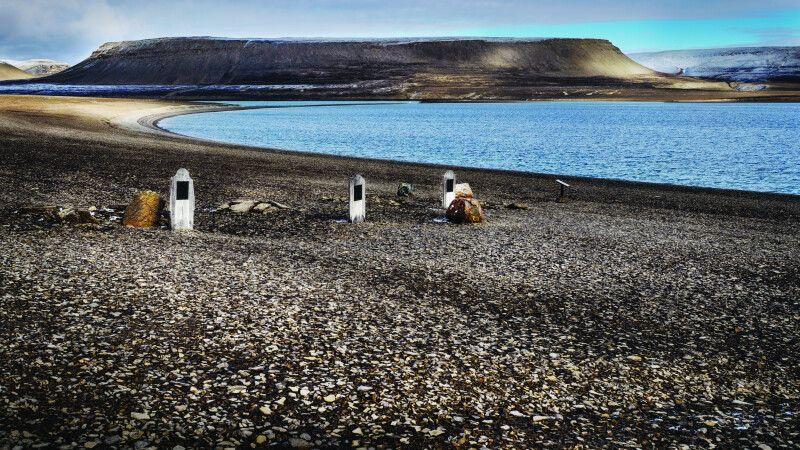 Gräber der Franklin-Expedition auf Beechey Island © Diamir