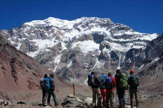 Blick auf die gigantische Südwand des Aconcagua