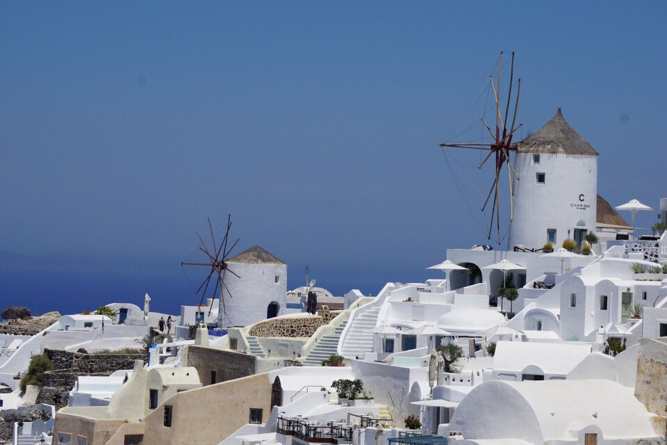 Die Windmühlen von Oía