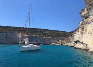 Segelboot vor Milos