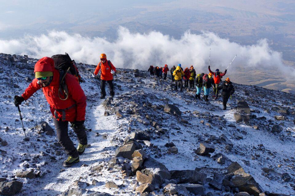 Aufstieg zum Gipfel am Ararat