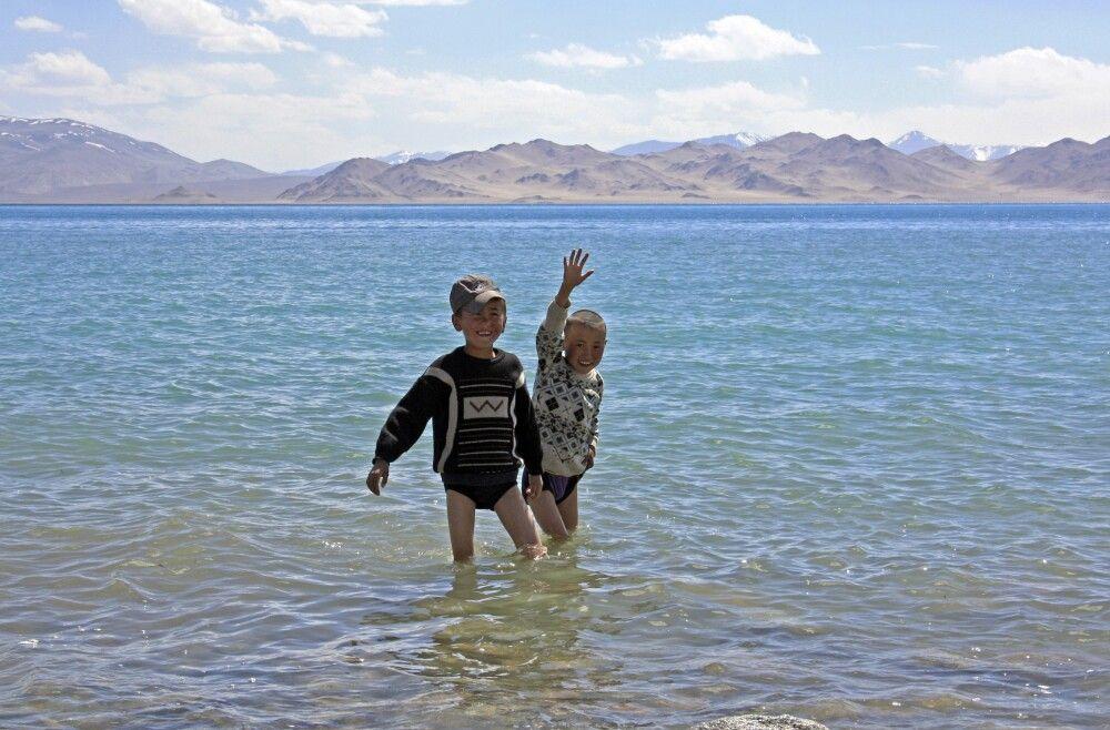 Kinder am Kara-Kul