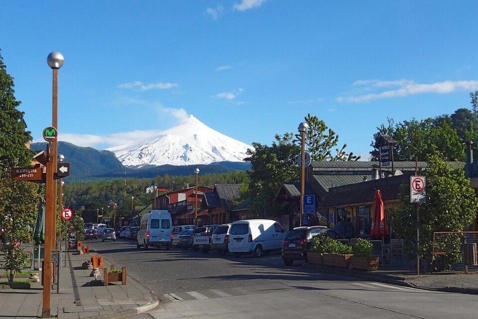 Pucon mit Blick auf Vulkan Villarrica
