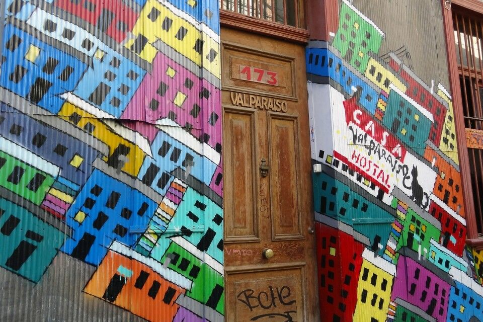 Bunte Hauswand in Valparaiso