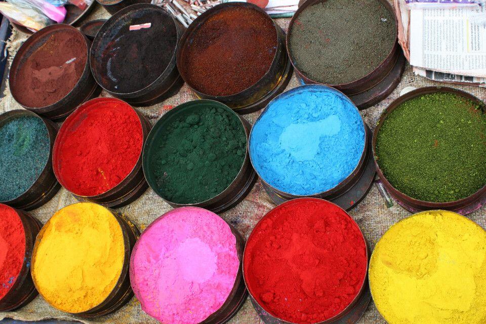 Farbenvielfalt auf dem Markt