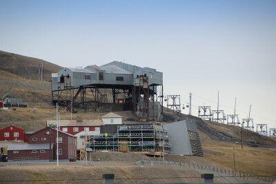In Longyearbyen ist die Kohle-Vergangenheit noch allgegenwärtig