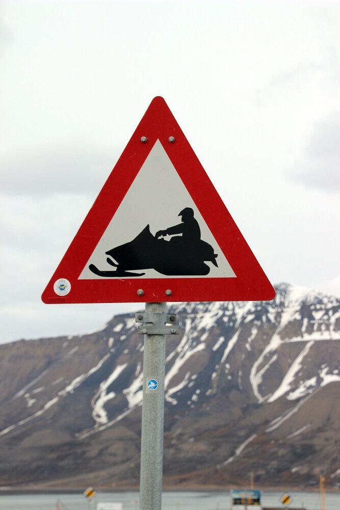 Schneemobile sind im Winter die einzige Fortbewegungsmöglichkeit
