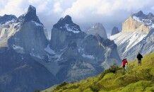 Blick auf die Cuernos (Hörner) im Nationalpark Torres del Paine