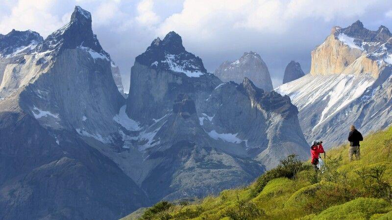 Blick auf die Cuernos (Hörner) im Nationalpark Torres del Paine © Diamir