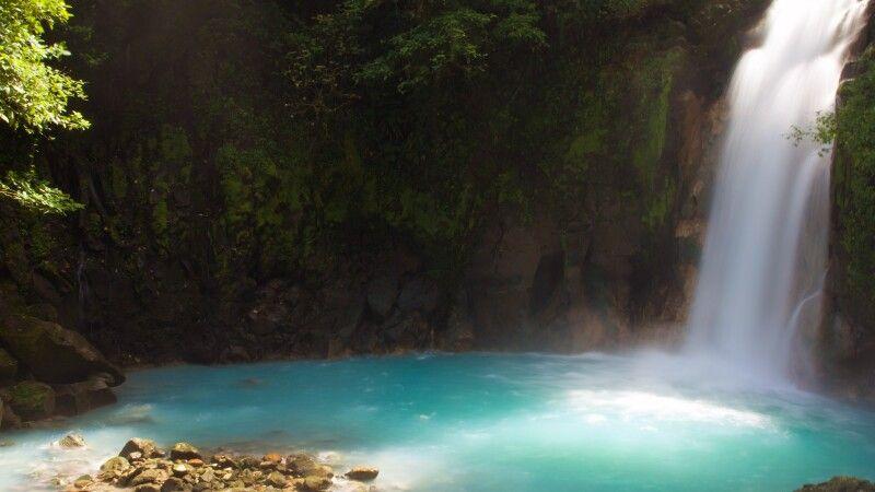 Rio Celeste Wasserfall © Diamir