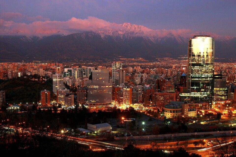 Santiago de Chile in der Abenddämmerung