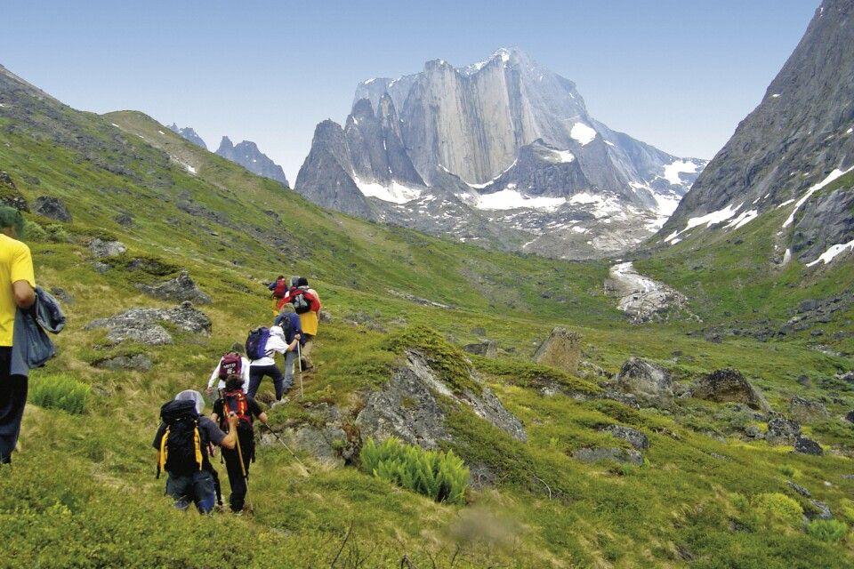 Wanderung zu den spektakulären Gipfeln Südgrönlands