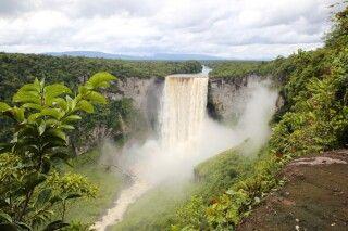 Kaieteur-Wasserfälle des Potaro-Flusses in Guyana