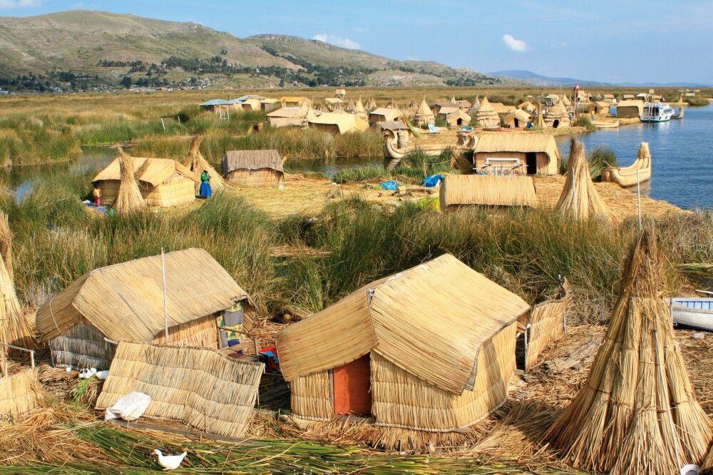 Schilfinseln der Uros auf dem Titicacasee
