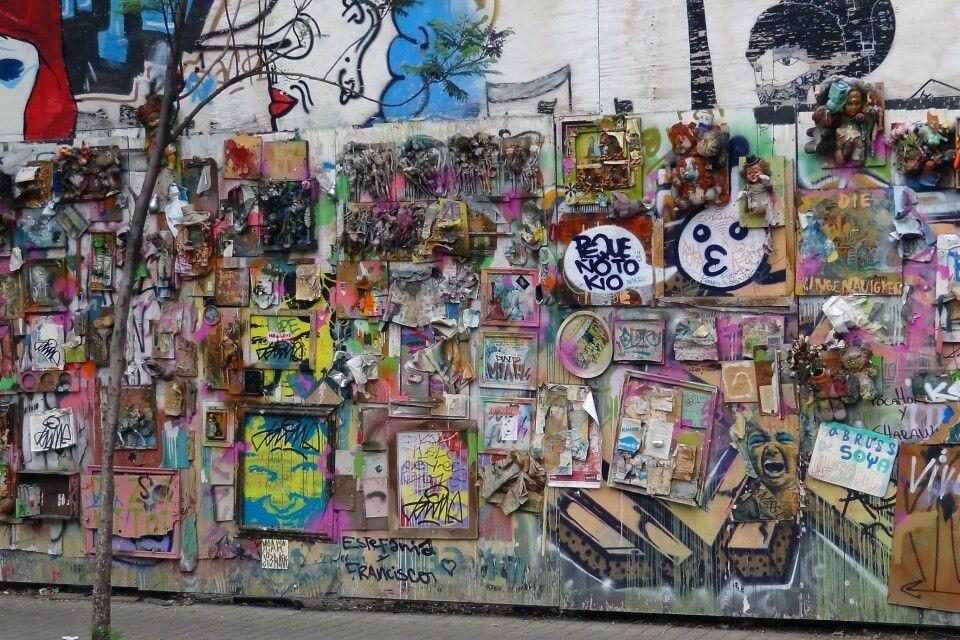 Bunte Hauswand in Santiago de Chile