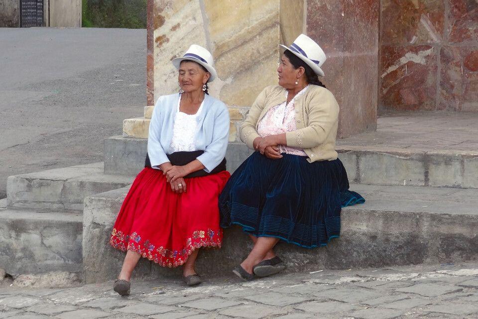 Ecuadorianische Frauen beim Plausch